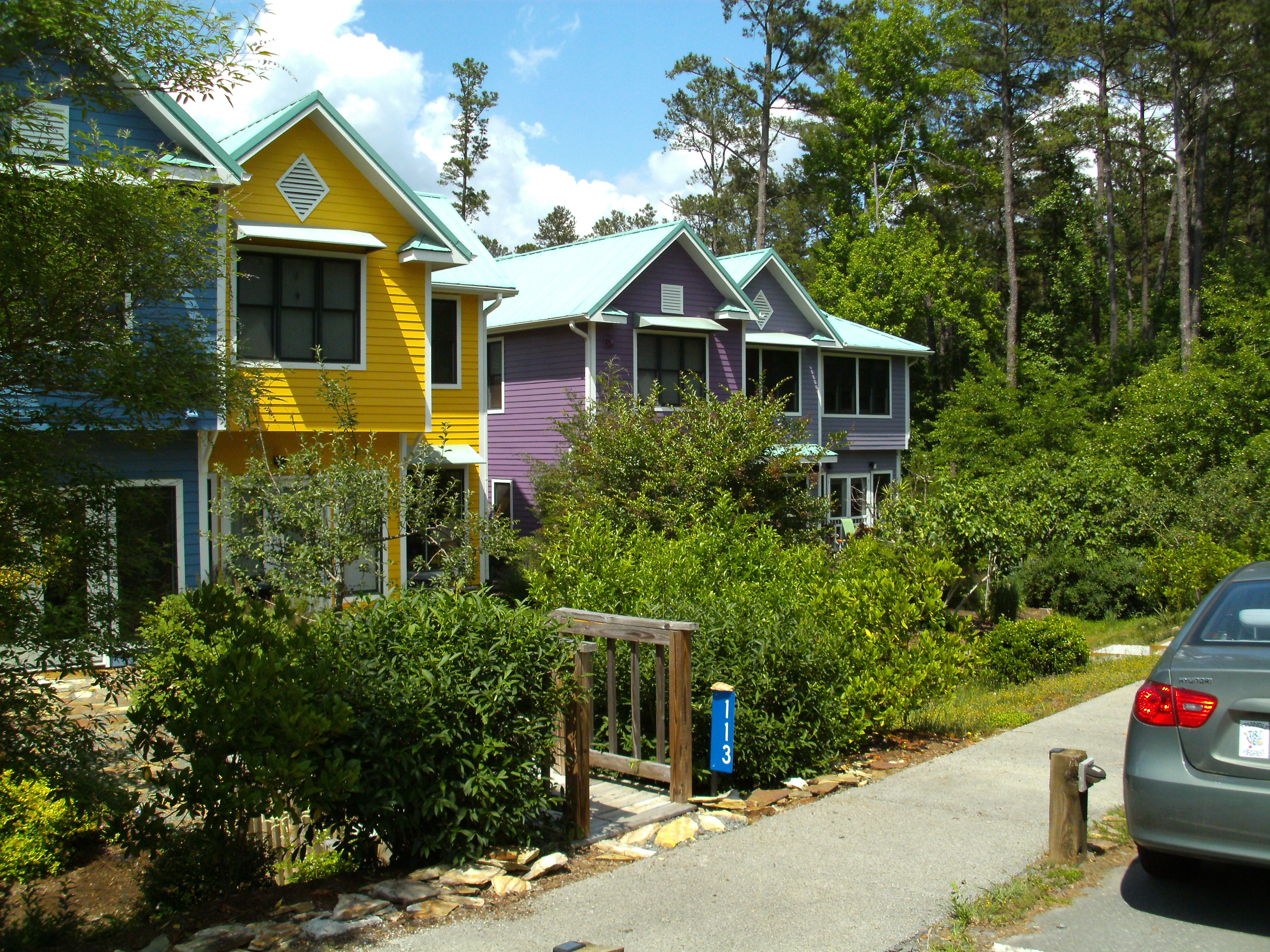 The pacifica community and affordable cohousing giselle for Pacifica house